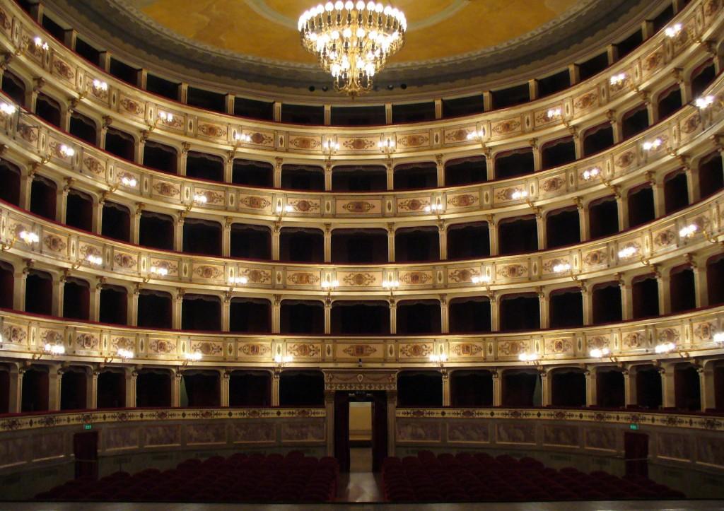 Il Teatro dell'Aquila a Fermo